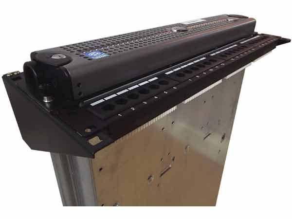 2U 19-Inch Steel Wall Mountable Simple Vertical Rack and Server Rack